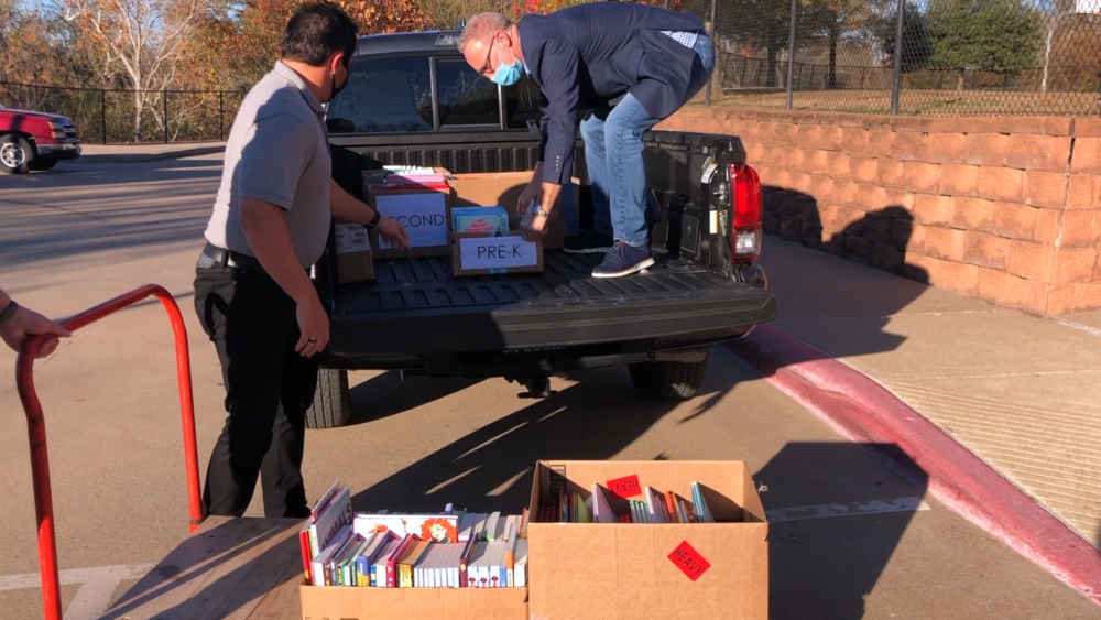 Marvin UMC donates 450 new books to Bonner Elementary Students
